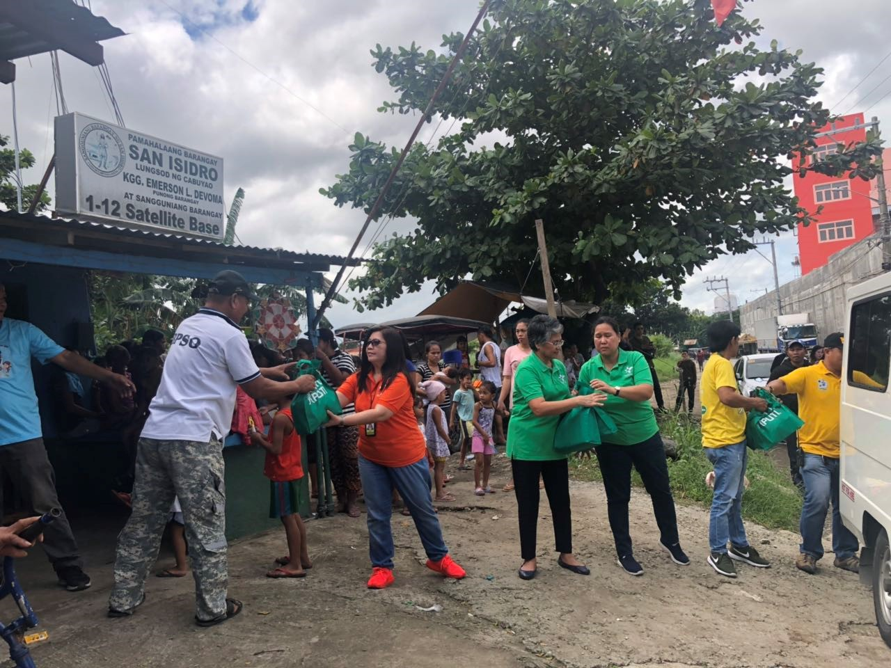 NutriAsia Employees Conduct Relief Operation in Cabuyao